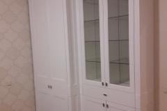 Белый платяной шкаф из массива