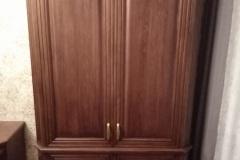 Платяной шкаф из массива дуба