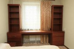 Стол для спальни