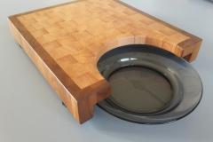 Торцевая разделочная доска с вырезом под тарелку
