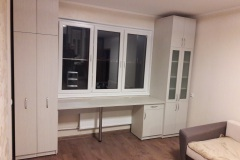 Мебель для детской комнаты с выкатными книжными шкафами