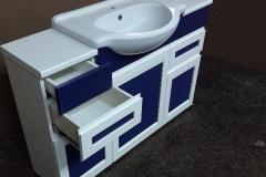 Тумба для ванной с жалюзийными дверцами